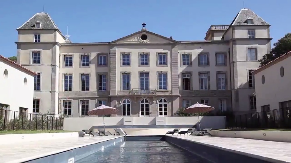 Introducing luxury hotel in southern france chateau de for Hotels design en france
