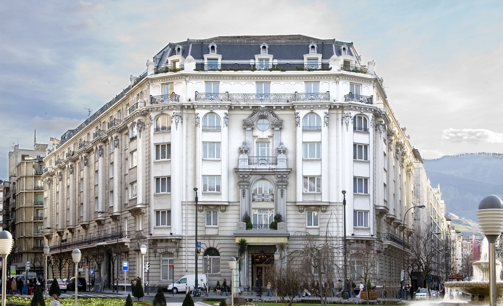 Luxury hotels group welcomes bilbao 39 s hotel carlton for Hotel design 06