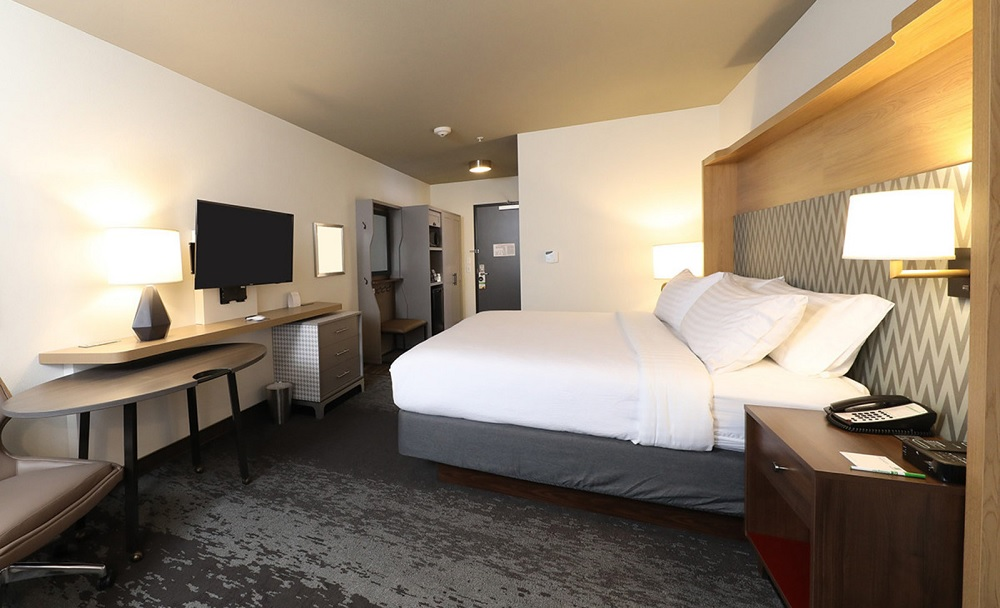 Holiday inn shows off new h4 design concept hotel designs for New hotel design