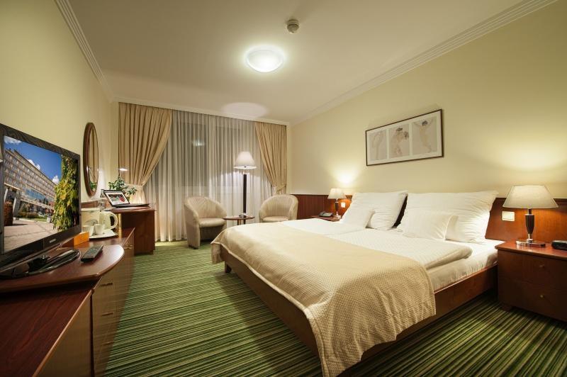 Hotel Apollo, Bratislava