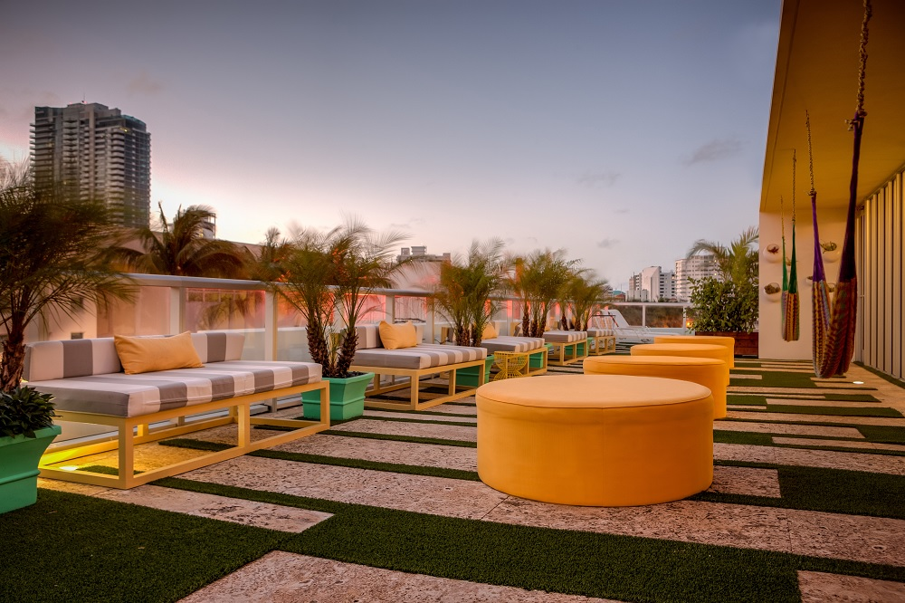 Vintro South Beach - Hilton's Curio
