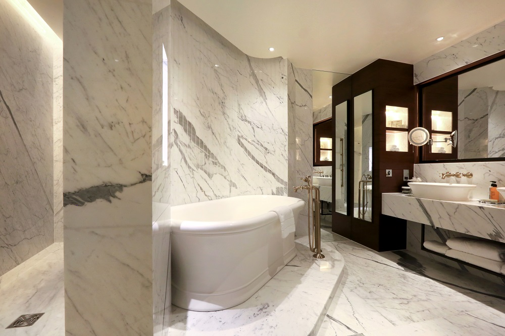 New penthouse suite revealed at hilton london bankside for Bathroom interior design london