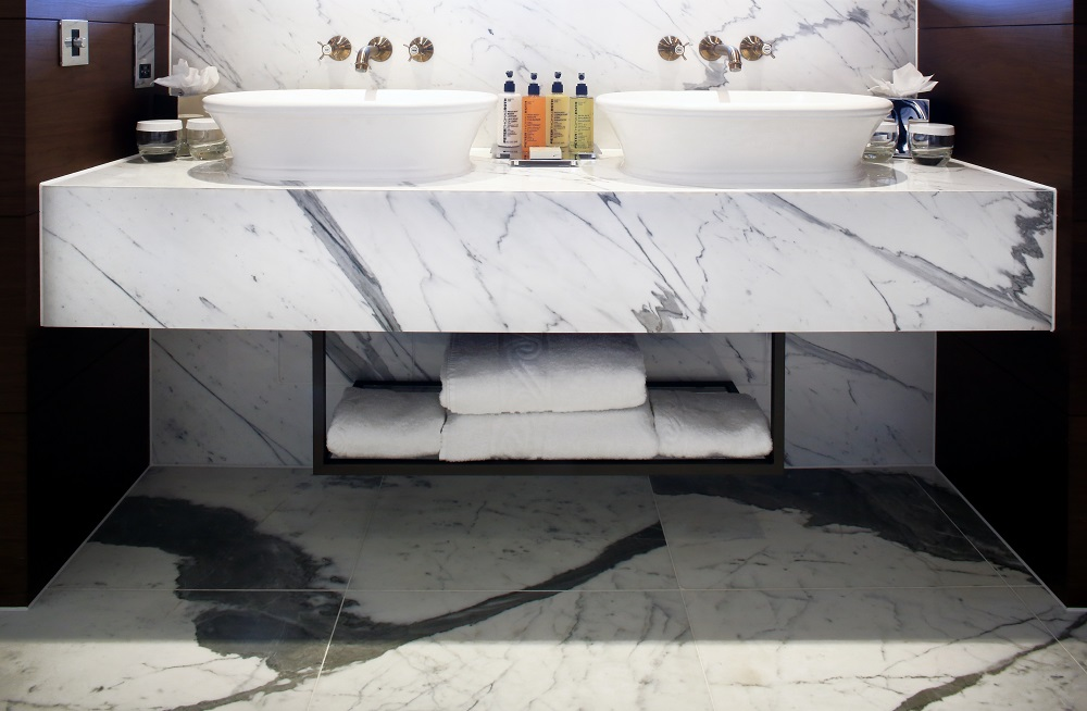 Bathroom hilton london bankside hotel designs for Bathroom design jobs london
