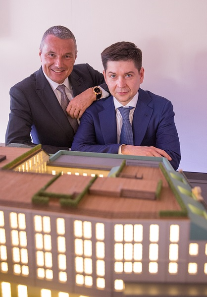 The agreement was signed in the presence of Alexey Bogachev, investor of the project, and Jean-Christophe Babin, Chief Executive Officer of Bulgari Group