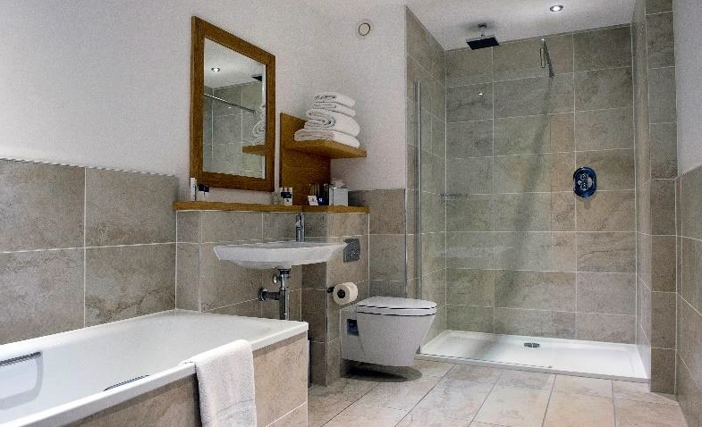 Project Spotlight Roca Bathrooms At Kingsmills Hotel Inverness