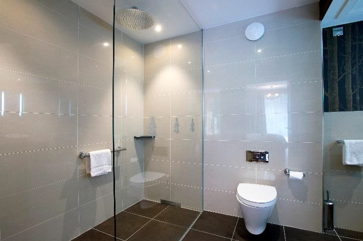 Kingsmills Hotel - Roca bathrooms