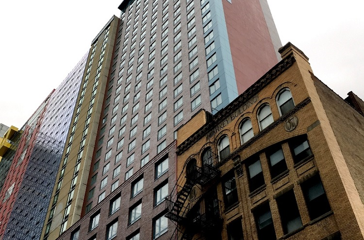 Massive doubletree by hilton new york designed by gene for Hotel design genes
