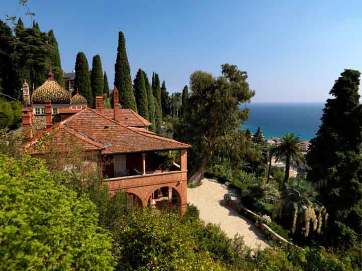 Set in lovely 22,000 square-metres of gardens, Villa della Pergola, Villino della Pergola and Casa del Sole are all elegant masterpieces of architecture