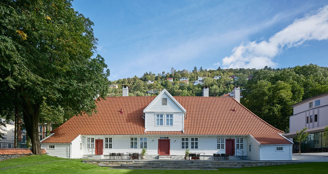 Today, Villa Terminus offers guests a finely balanced fusion of Bergen's history, Norwegian culture and iconic mid-century and modern-day design
