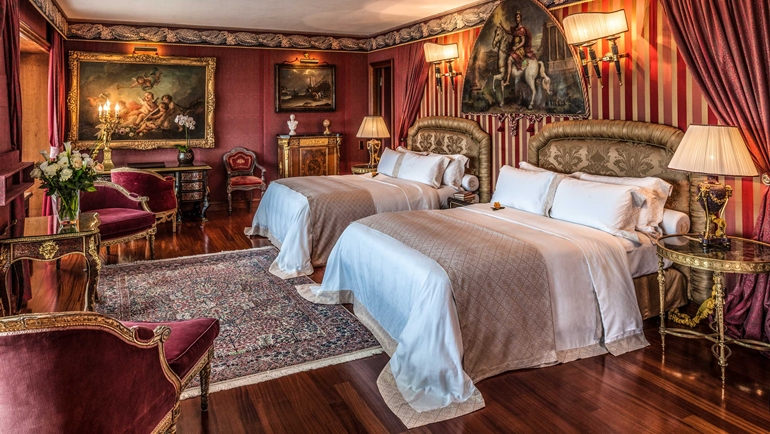 Petronius Suite at Rome Cavalieri