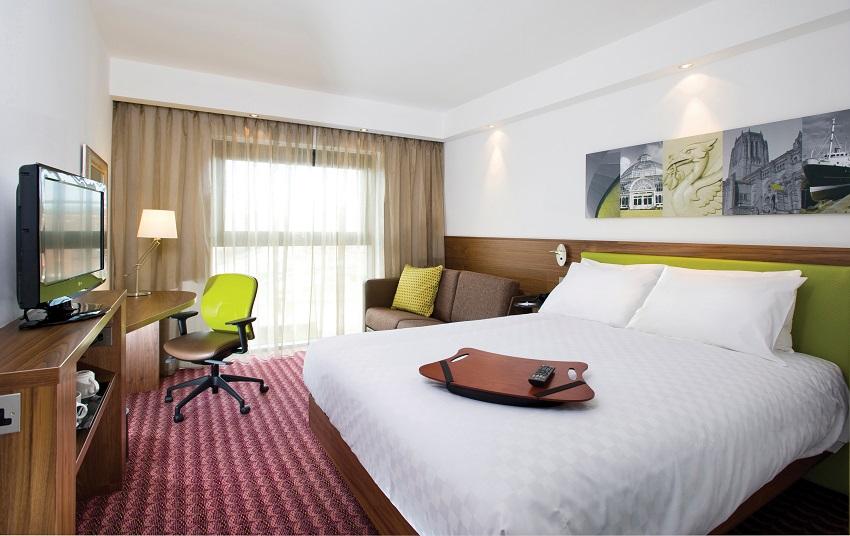 Hampton by Hilton Humberside Airport room