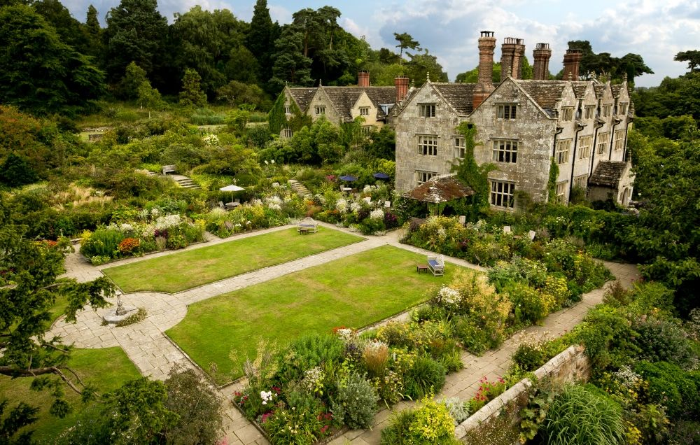 Image: http://www.gravetyemanor.co.uk/