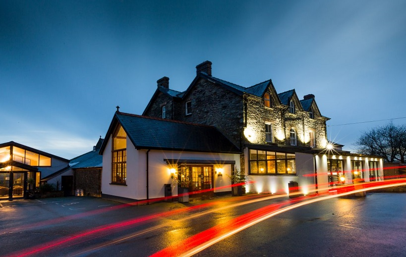 Wolfscastle country hotel unveils new 39 beauty and wellness for Hotel design wellness