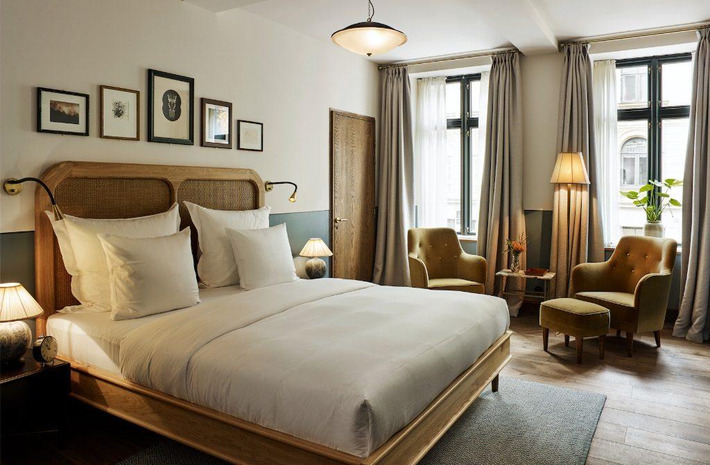 hotel sanders copenhagen hotel designs. Black Bedroom Furniture Sets. Home Design Ideas