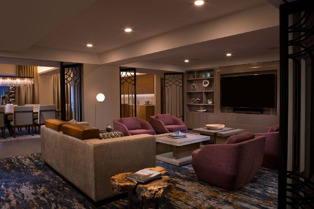 New York Hilton Midtown, the 1,907-room iconic landmark hotel and member of Park Hotels & Resorts' prestigious portfolio, has announced the completion of three suites