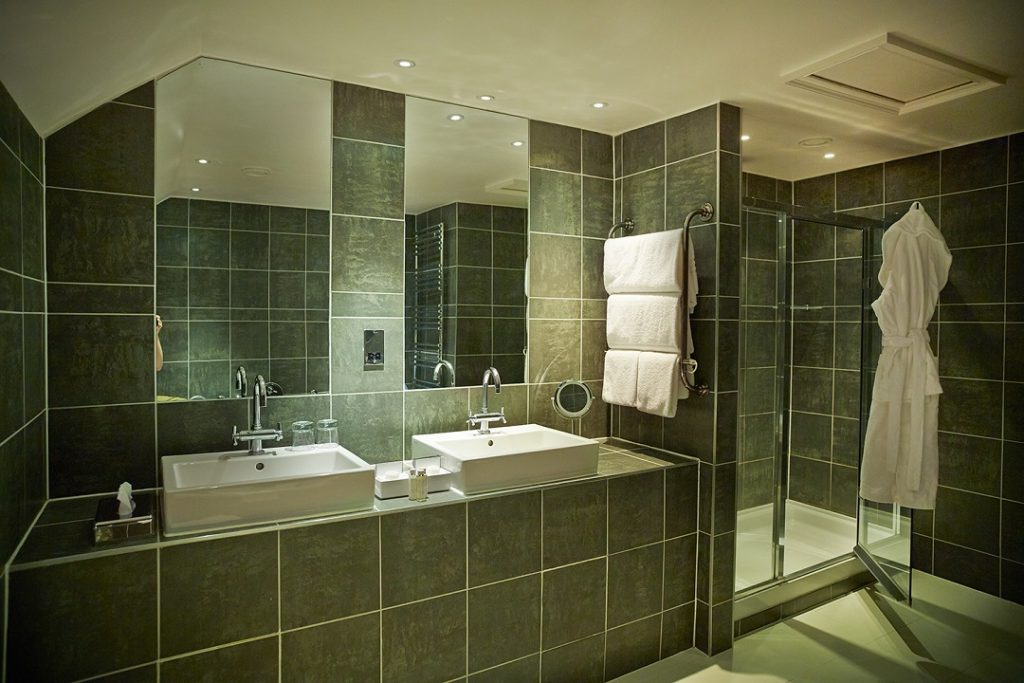 Penthouse Bathroom29948 Hotel Designs