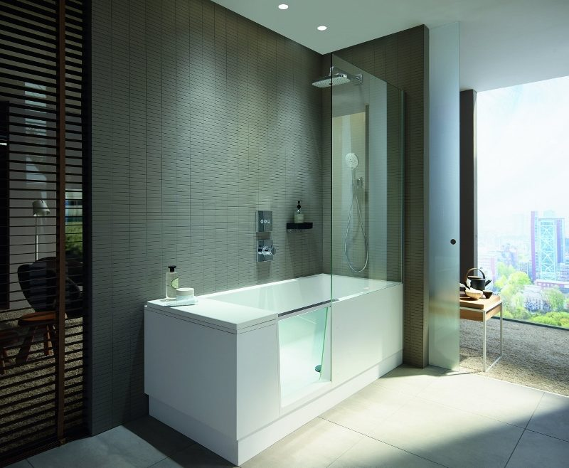 Duravit shower + bath in a modern bathroom