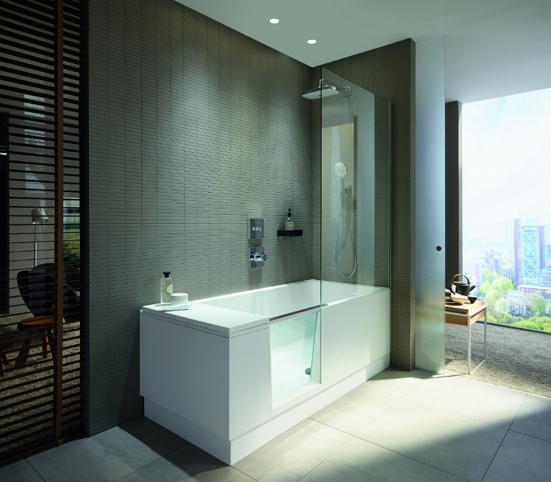 Walk-in Shower And Bath Sets High Standards Of Comfort In