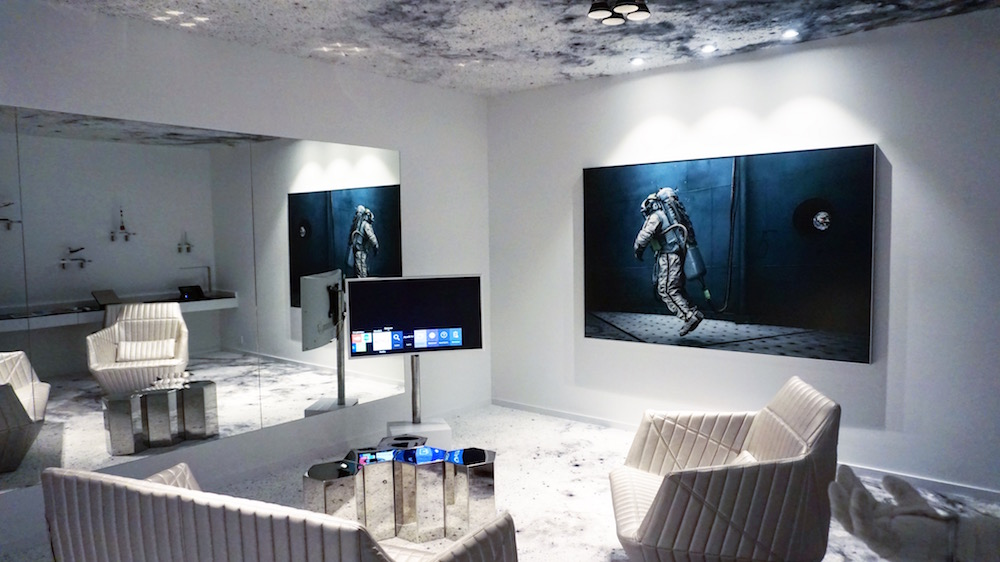 Space-themed suite