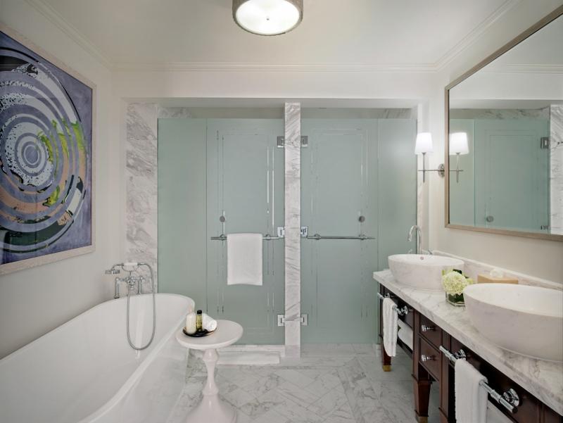 Large simple and elegant bathroom