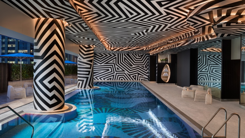 Geometric patterns on the wallcoverings in the pool area