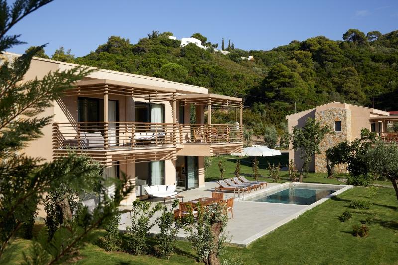 Swan Villa