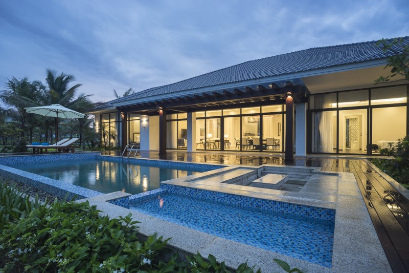 Strategically dispersed across the resort's most inspiring ground, the stunning Beachfront Pool Villas each come with a private pool with sunken lounge and sun deck, private outdoor rain shower and spacious garden.