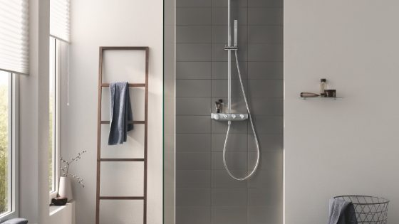Modern bathroom featuring GROHE shower in the centre