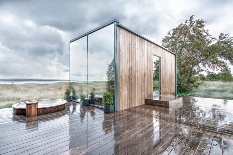 image pof the OOD house with mirrored surfaces