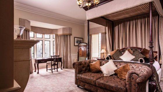 Castle_Deluxe_Room-1170x658