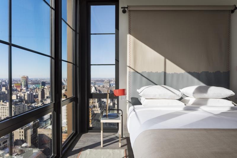 Moxy NYC Chelsea opens an urban design jungle • Hotel Designs