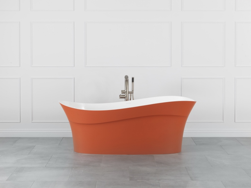 Living Coral coloured bath