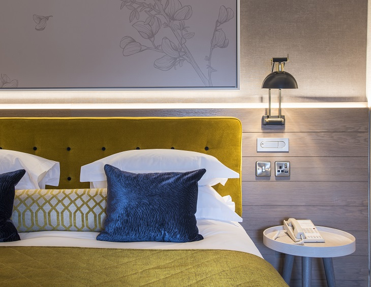 Sloane Place Hotel In Chelsea Unveils Eclectic Décor Hotel Designs Interesting Hotel With Separate Bedroom Decor Remodelling