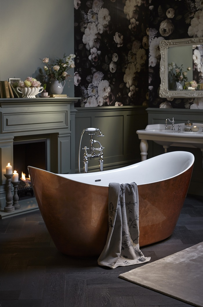 Modern, quirky bath in contemporary bathroom