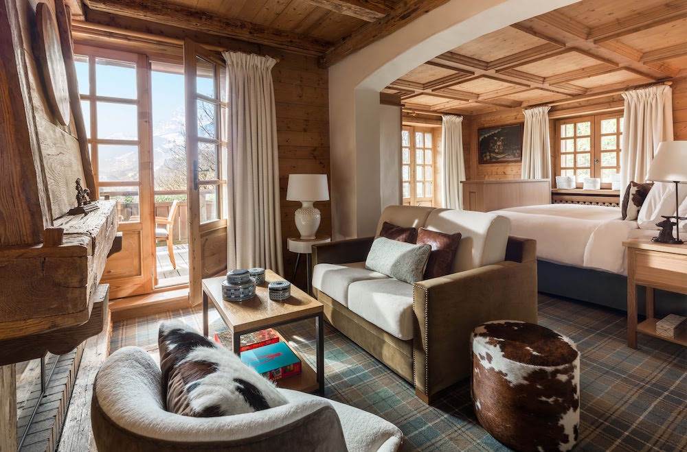 Modern and traditional interiors in chalet