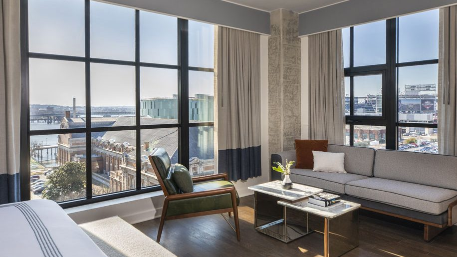 Junior Suite with views over the city