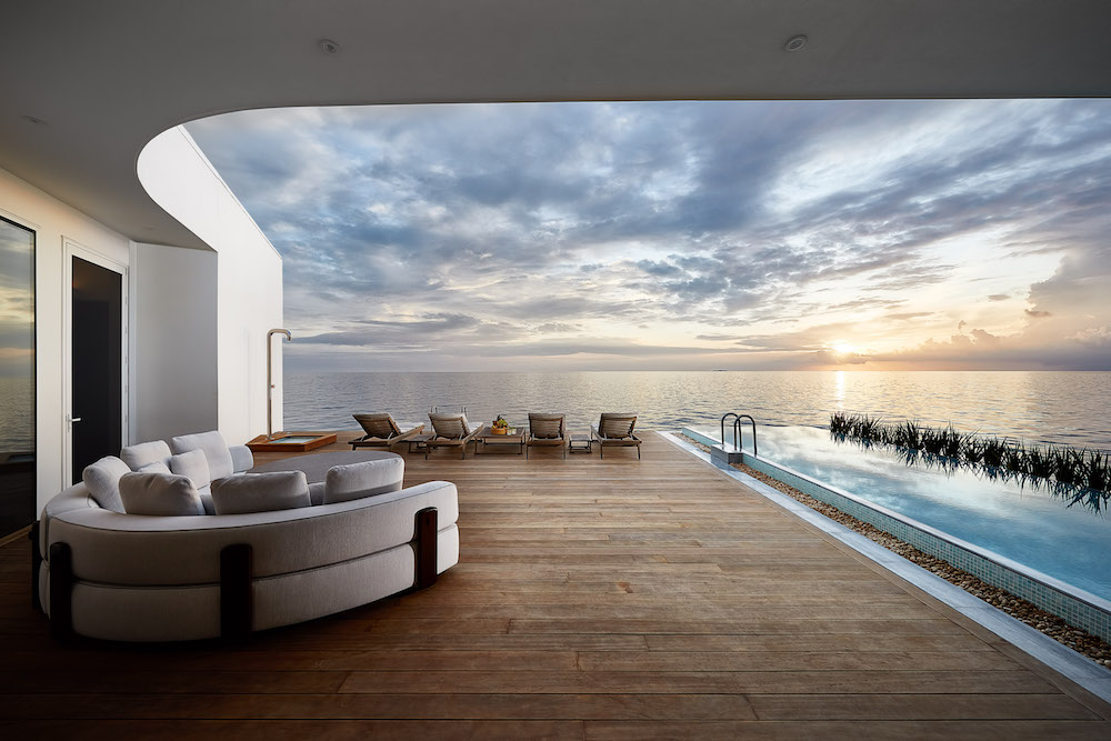 Suite overlooking the ocean