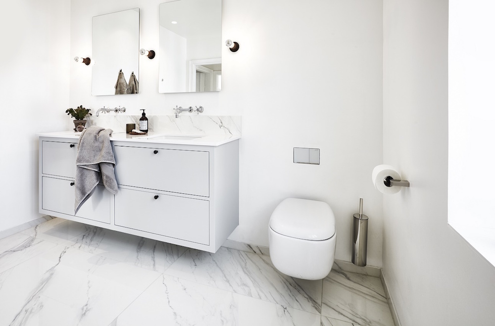 Modern, white bathroom