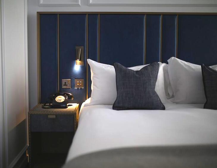 Hotel Nantes Pattern 5 Piece Comforter Set King Gray