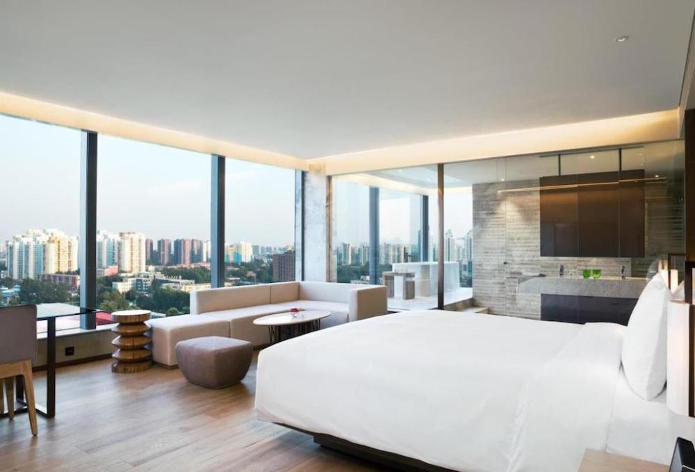 Modern guestroom