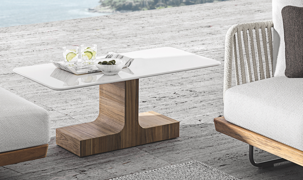 Luxe white Minotti table