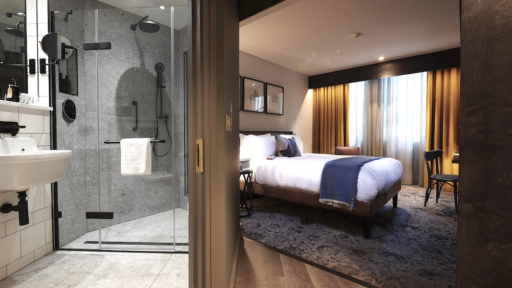 Image showing modern bathroom and guestroom