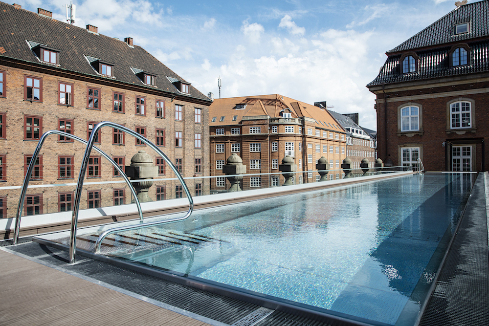 Rooftop pool on top of Villa Copenhagen