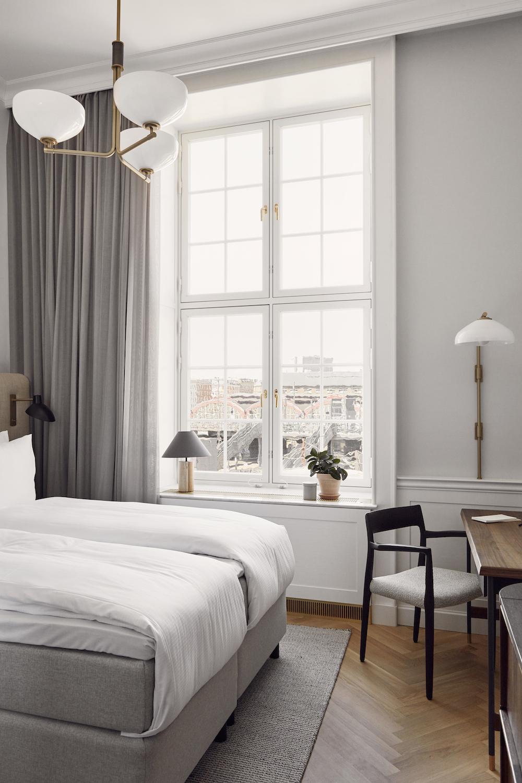 Light airy guestroom inside Villa COpenhagen