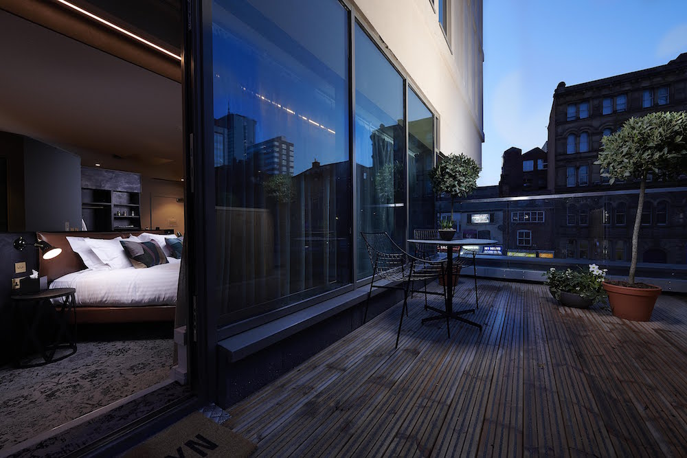 Terrace and suite inside Hotel Brooklyn
