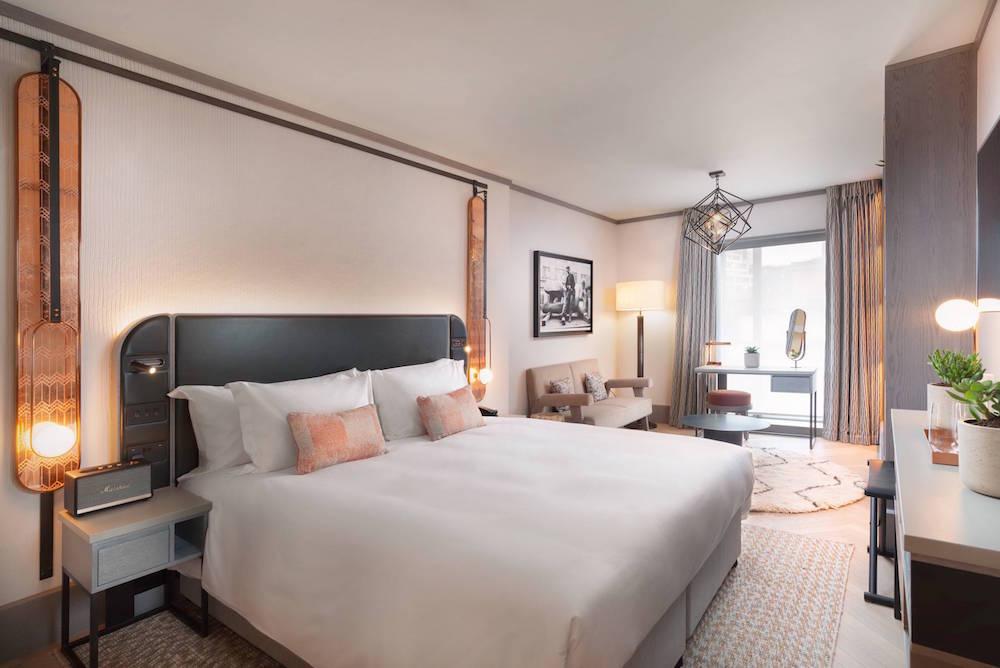 Luxe guestroom