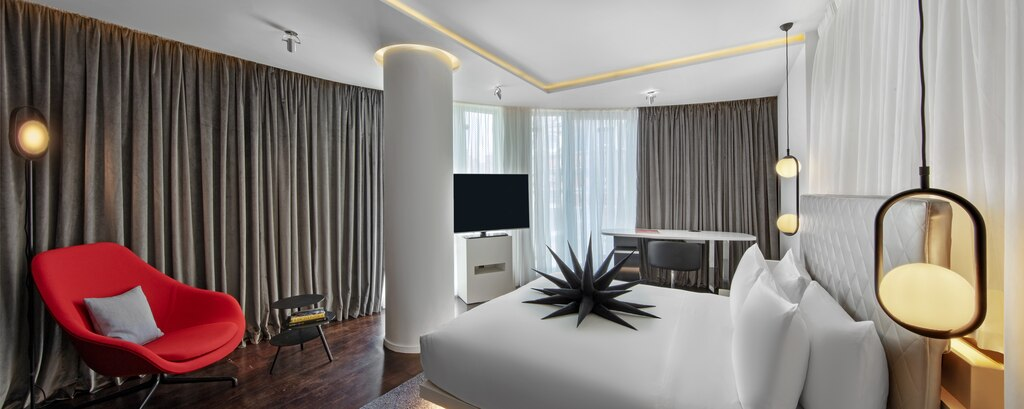 A luxe and modern suite