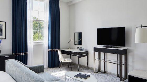 Minimalist luxury guestroom inside the Marriott hotel on Grosvenor Square