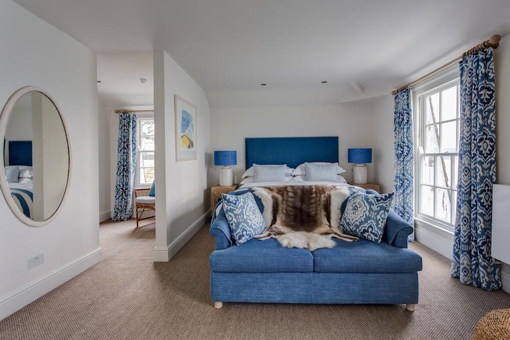Image of beach themed blue suite