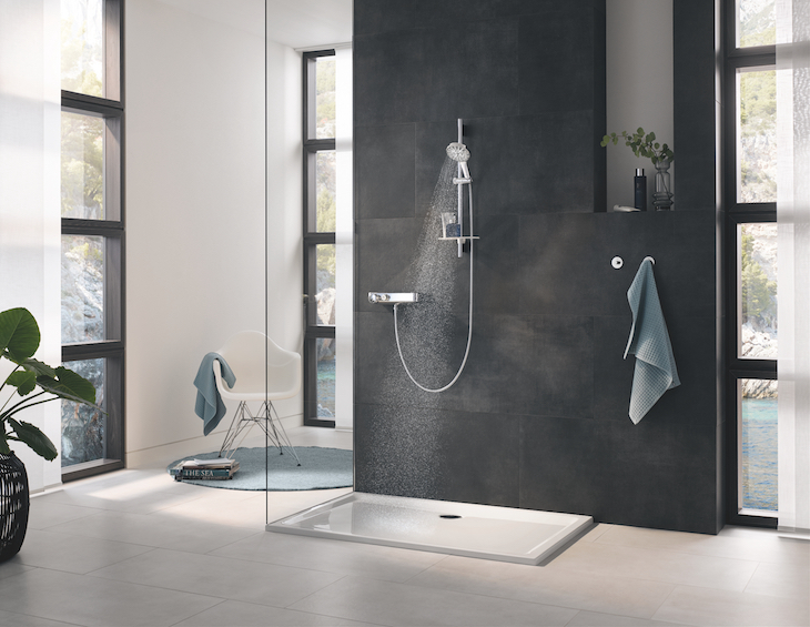 GROHE Rainshower SmartActive 130 Shower rail set with 3 shower sprays and GROHE EcoJoy technology. Fitted with Grohtherm SmartControl shower mixer
